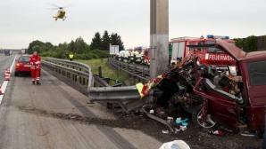 Microbuz cu români, implicat într-un accident mortal în Austria