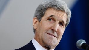 John Kerry, accidentat în timp ce mergea pe bicicletă. A fost transportat la spital