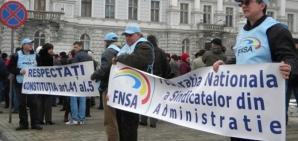 Proteste ale funcţionarilor locali