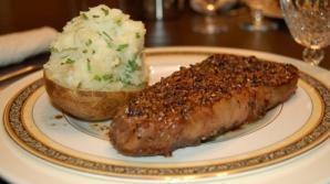 Ce se întâmplă dacă la aceeaşi masă combini carnea cu cartofi