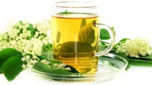 Dieta cu ceai de flori de soc. Efectele se văd imediat
