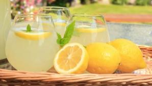 Dieta de 10 zile cu limonadă: scapi de un kilogram pe zi şi îţi cureţi organismul