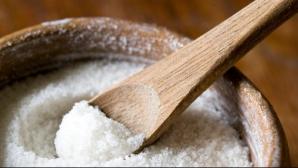 De ce trebuie să renunţăm la sare pe timpul verii?