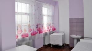 Un părinte a şase copii a renovat din propriii săi bani patru saloane de spital