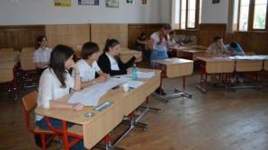 Peste 500 de elevi din România participă la Olimpiada Dezbaterilor