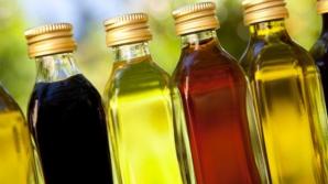 Uleiul care te scapă de acnee şi de părul gras