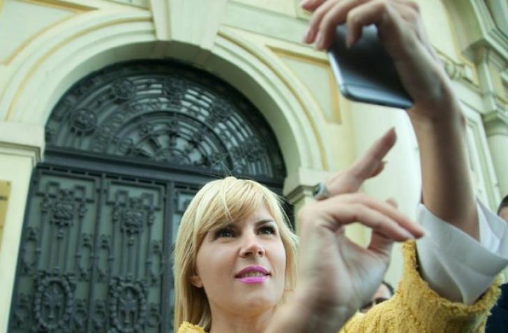 Cum petrece Elena Udrea de ziua ei, in arest la domiciliu! Cine ii va fi alaturi acasa