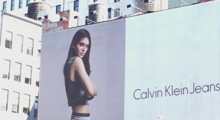 Uimire în New York: ce a păţit un panou publicitar enorm. E prima dată când se întâmplă