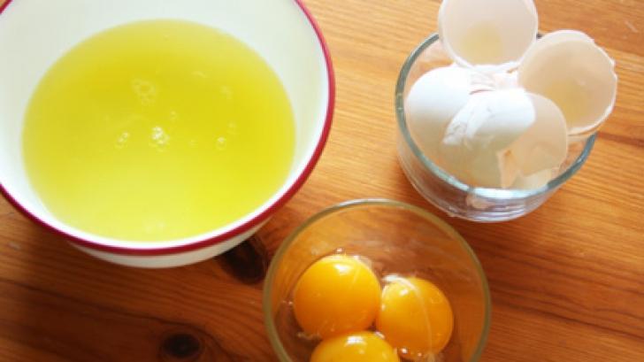 Efectul uimitor al albușului de ou. Cum poate atenua ridurile profunde