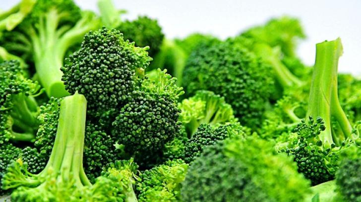 Este una dintre cele mai sănătoase legume, însă lumea face o mare greşeală. Cum se consumă broccoli?