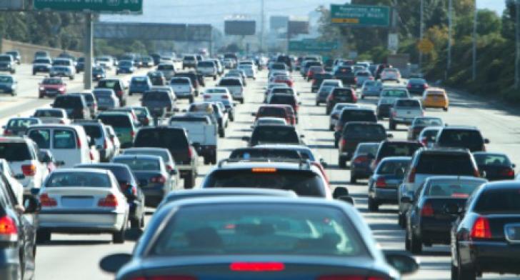 Cum să-ţi protejezi maşina în zilele caniculare. 5 sfaturi de la specialişti