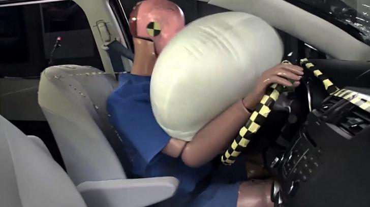 Airbaguri periculoase. 5 milioane de maşini, chemate în servici. Ce se întâmplă în caz de accident