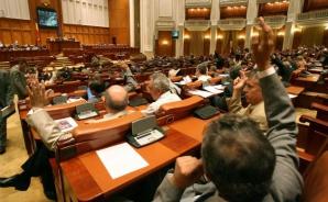 Parlamentul a adoptat stilul tacit de vot