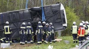 Accident în Italia: Un autocar care transporta zeci de români a lovit un parapet, pe o autostradă