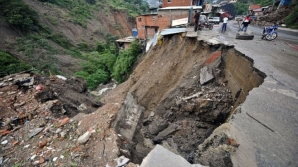 O nouă catastrofă în Nepal: cel puțin 21 de morți, în urma unei alunecări de teren