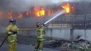 Buzău: Locomotiva unui tren care transporta 32 de vagoane cu ţiţei a luat foc