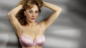 La 62 de ani a pozat în lenjerie intimă! Un model celebru le dă clasă femeilor tinere