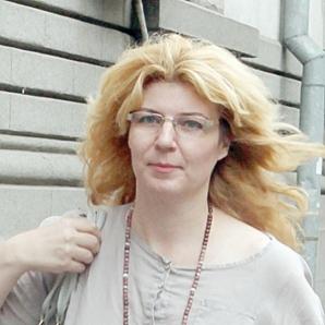 Fiica secretă a lui Adrian Păunescu se luptă pentru o parte din averea tatălui