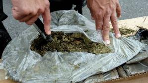 Peste 320 kg de droguri de mare risc, confiscate în primele 5 luni. Cărui risc este supus România