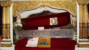 Perversiuni sexuale lângă racla Sfintei Parascheva