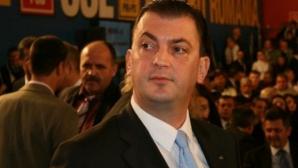 Campanie de strângere de semnături pentru demiterea primarului Rareș Mănescu, în sectorul 6