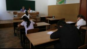 Evaluarea Naţională 2015. Tentative de fraude: Câţi elevi au fost eliminaţi din proba la Matematica