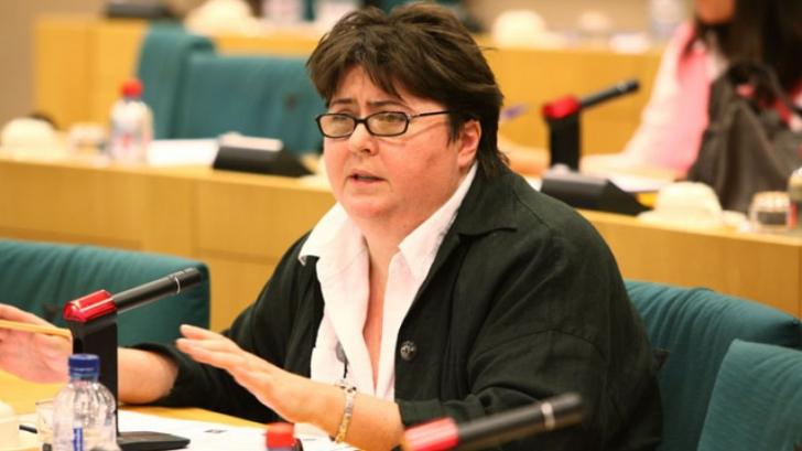Alina Mungiu-Pippidi: De ce România ar trebui să fie preocupată de criza din Grecia