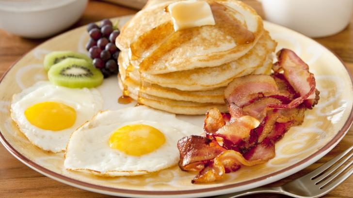 Ce se întâmplă cu noi dacă mâncăm mai multe ouă pe zi? Câte ouă e normal să consumăm