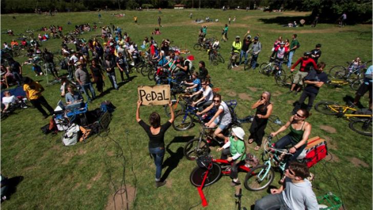 """Să ascultăm muzică pe biciclete, astăzi, la """"Bicycle Music Festival"""", în Parcul Carol din București"""