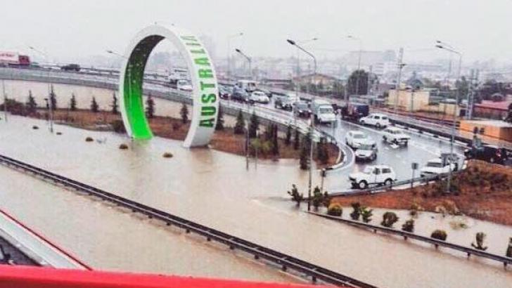 Stare de urgenţă în oraşul Soci, din pricina inundaţiilor, după ploi torenţiale