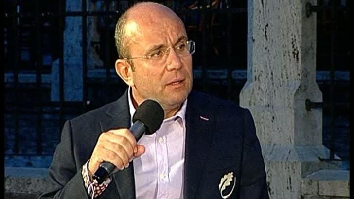 Cozmin Gușă: Prioritatea lui Iohannis trebuie să fie reformatarea clasei politice prin mișcări noi