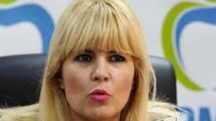 Elena Udrea se resimte după detenție. Merge la tratament cu apă termală. Îl invită și pe Băsescu