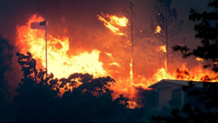 Incendiul din Washington: 23 de case şi 3 mall-uri au fost distruse