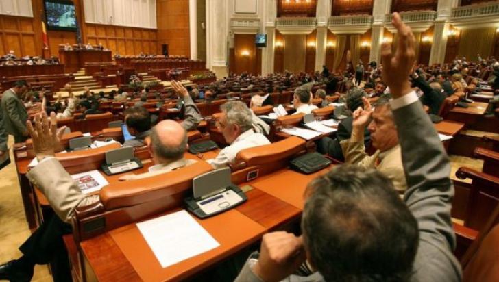 Cinci noi deputați anunță că vor vota moțiunea de cenzură a liberalilor