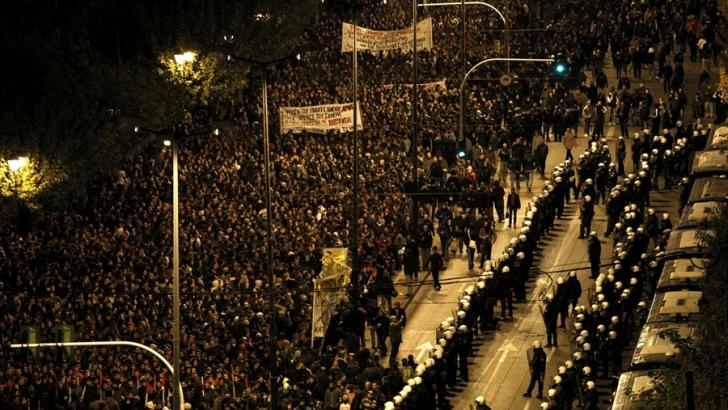 """Grecia, 17 000 de oameni au protestat în Piața Sygma: """"Nu șantajului creditorilor"""""""