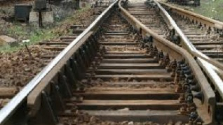 Descoperire înfiorătoare pe calea ferată, în Timiş. Poliţia, în alertă