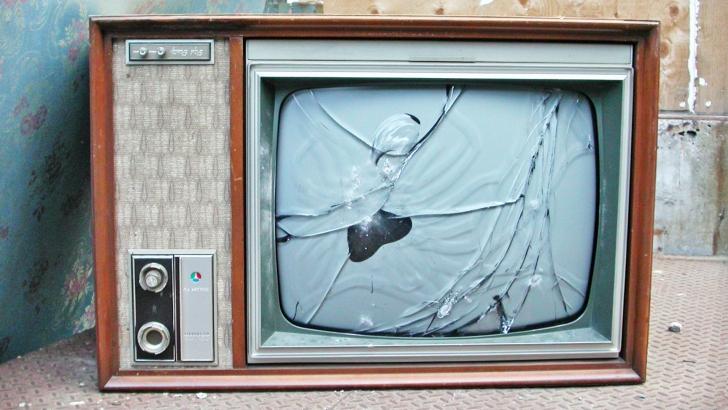 Topul televizoarelor pe care să le cumperi în această vară!