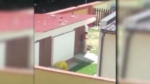 Copii maltrataţi în centrul de plasament: legaţi cu funia de gard, în soare