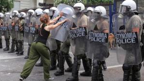 Confruntări sporadice între protestatari şi poliţie, în centrul Atenei