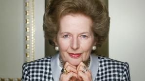 """Un sărut de la Margaret Thatcher: Un şerveţel cu urmele rujului """"Doamnei de Fier"""", scos la vânzare"""
