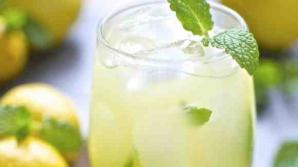 Ce se întâmplă dacă bei în fiecare dimineaţă apă călduţă cu lămâie. Efectele sunt uimitoare