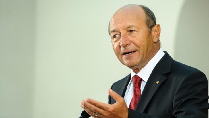 Băsescu: Nu există risc mai mare decât să aduci studenţi musulmani în ţară. E o decizie nesăbuită