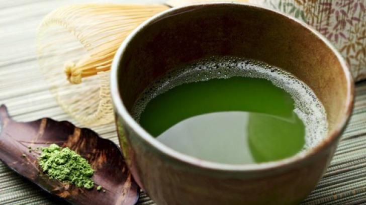 """""""Băutura verde"""" - cea mai bună pentru organism. Află cum te ajută!"""