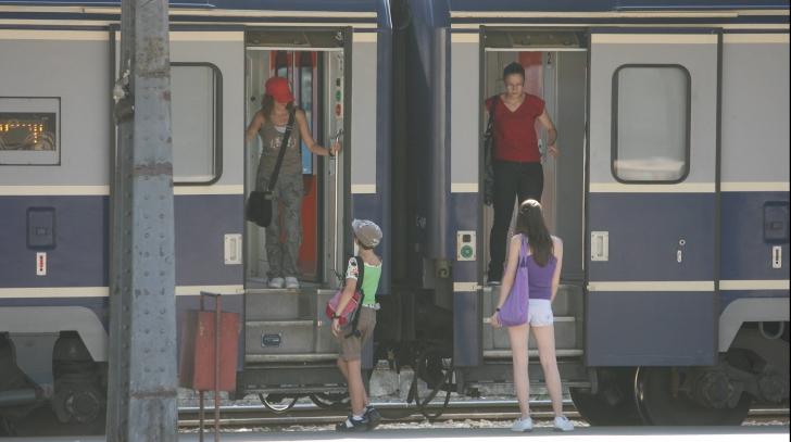 CFR: Trenurile circulă cu viteză redusă din cauza caniculei! Au apărut modificări ale orarului