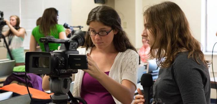 Admitere Facultate 2015 Jurnalism. Câte locuri sunt disponibile la buget la Facultatea de Jurnalism