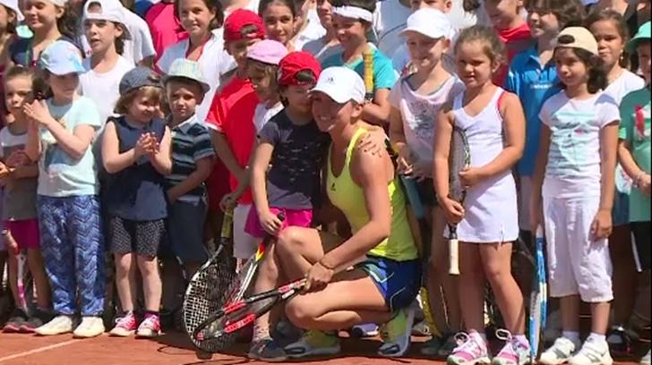 """La """"BRD Bucharest Open"""", Simona Halep a jucat tenis cu copii"""
