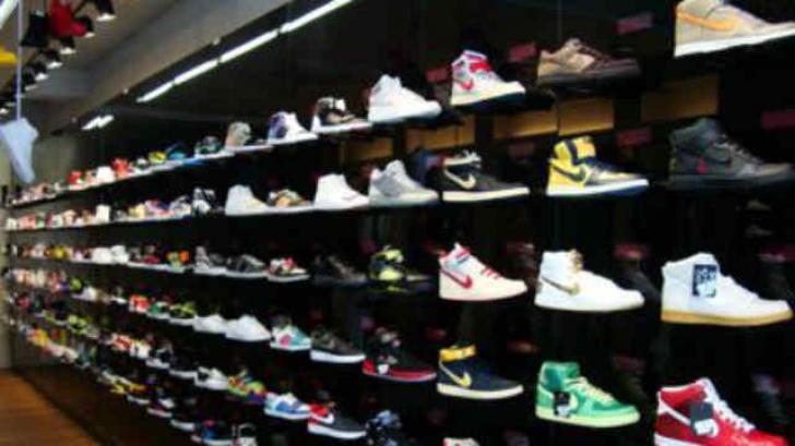 Cele mai bune oferte la încălțăminte de vară: Nike sau Converse?