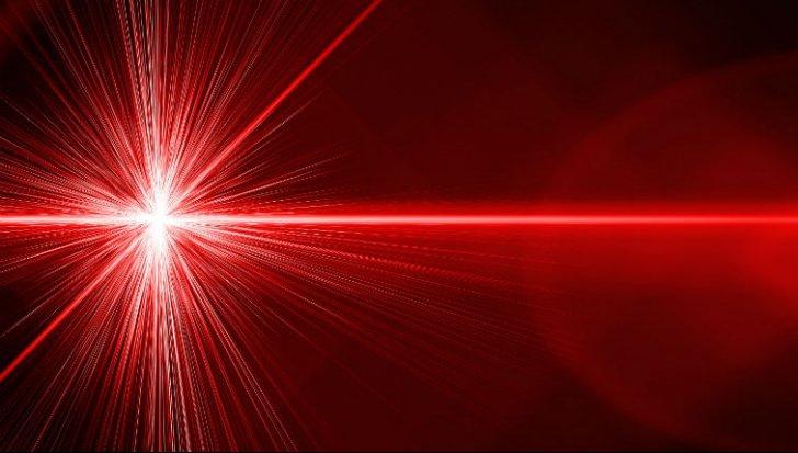 Record mondial: Este cel mai mare laser din lume. Până unde ajunge lumina lui