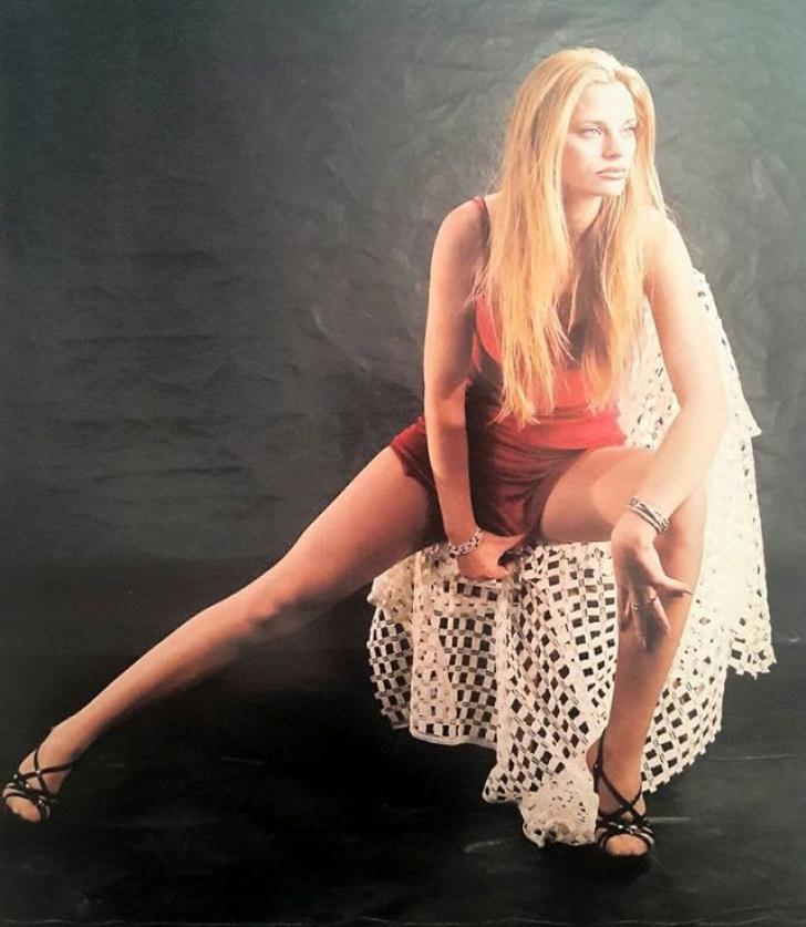 """Cum arăta """"blonda lui Iri"""", Mariana Roşca, la 18 ani"""
