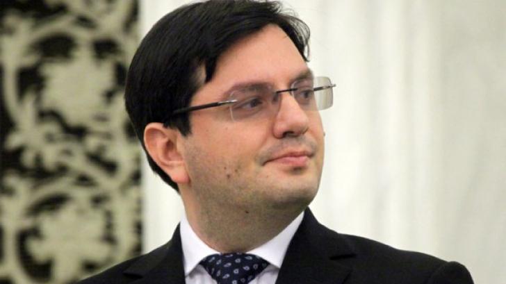 Bănicioiu și Teodorovici caută bani pentru MAJORAREA salariilor medicilor. Negocierile, RELUATE